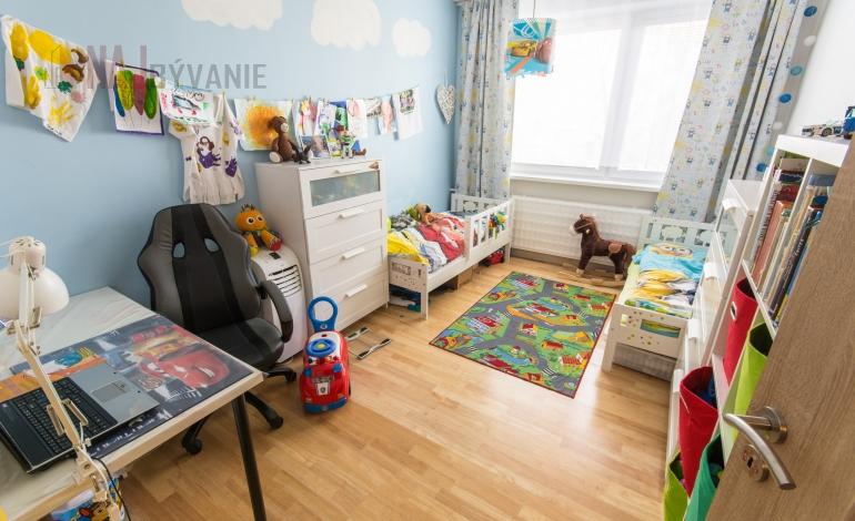 PREDAJ - Prerobený 3 - izbový byt, Žilina - Solinky