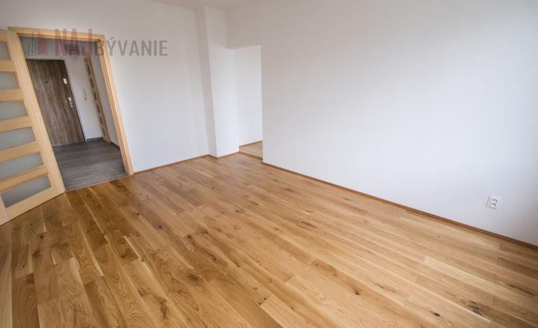 PREDANÉ : PREDAJ: 2 izbový byt, Roveň