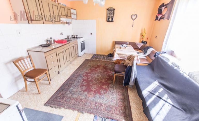 PREDANÉ - Rodinný dom na predaj, Liptovská Lužná
